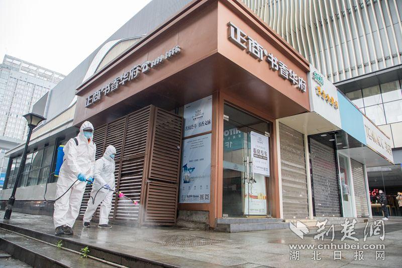 """汉阳""""商圈保洁队""""上线 24小时保障市民健康购物"""