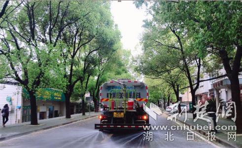 武汉军山城管于细微处着眼 将城市管理与科学防疫深度融合(图1)