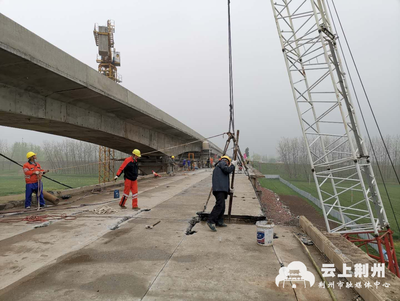 重点项目追踪:今年底,新万城大桥全线建成通车