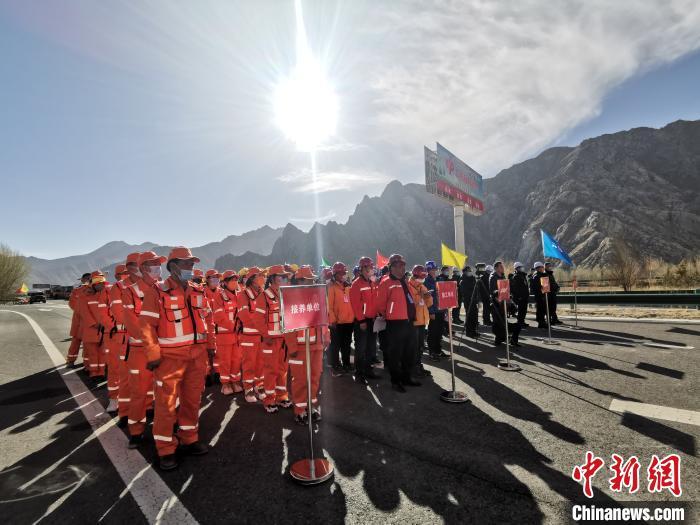 西藏首条高等级公路养护维修工程开工 首次大规模全面维修