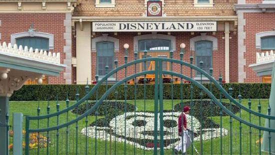 迪士尼公司向纽约等地的医院捐赠10万枚口罩