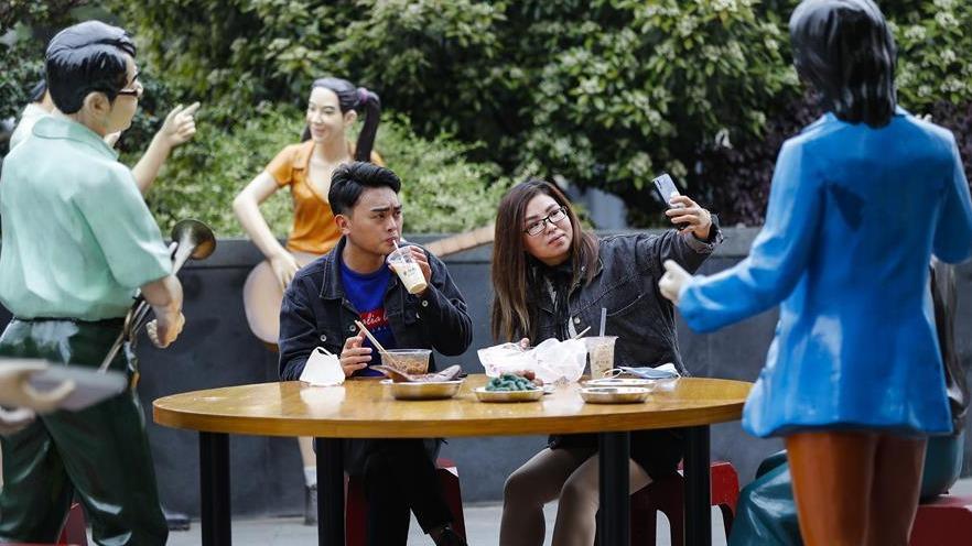 武汉:街边享美食