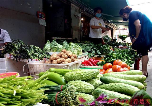 菜市场井然有序,凸显生活气息