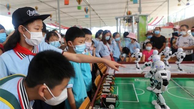 中国流动科技馆走进夷陵