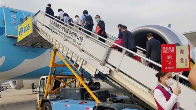 在鄂全国人大代表返汉