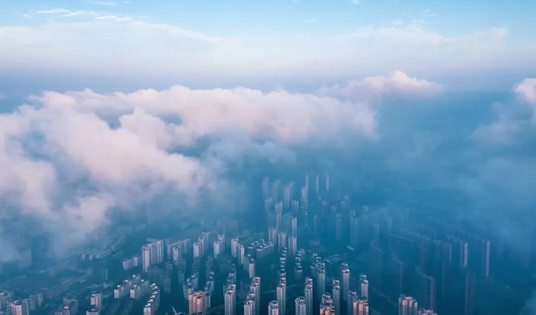 武汉上空云海晨雾美若仙境 明天继续放晴气温30℃+