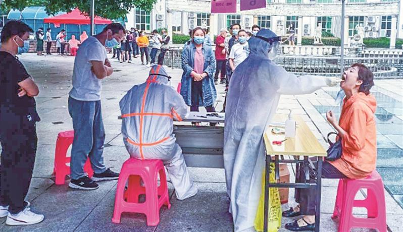 武汉启动全民测核酸 街坊们说查了更安心