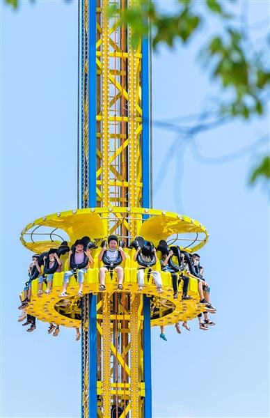 """黄石儿童公园开门迎客,改造升级后引人瞩目 市民感叹:""""感觉自己的童年,也回来了"""""""