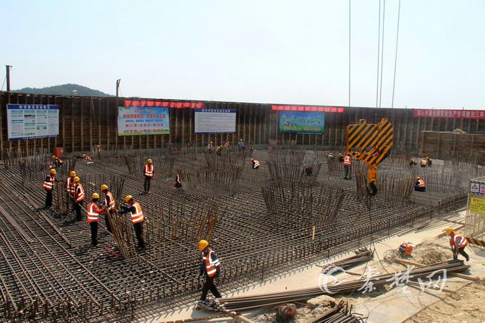跨径世界第一的丹江口水库特大桥最新进展:桩基浇筑或7月底完工