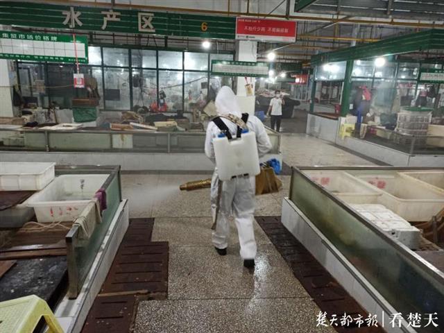 保障放心购!湖北省多地对农贸市场开展消杀作业