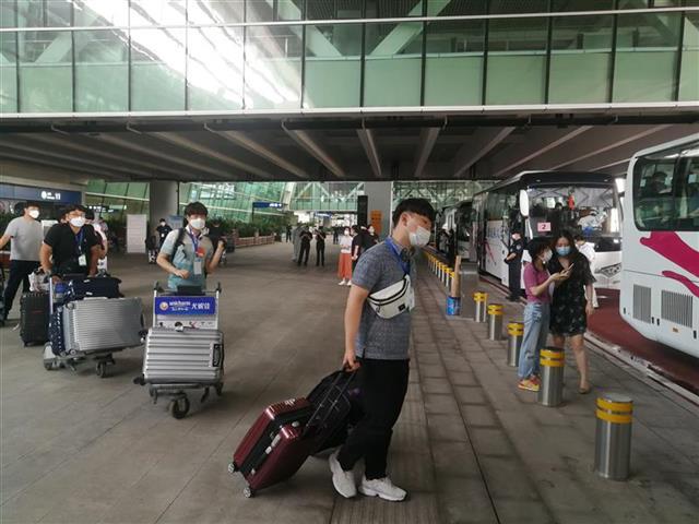 包机从国外直飞武汉!光谷企业两个月来接回783名复工复产人员