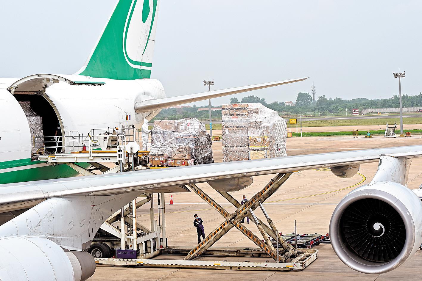 武汉天河机场重启洲际定期货运航线