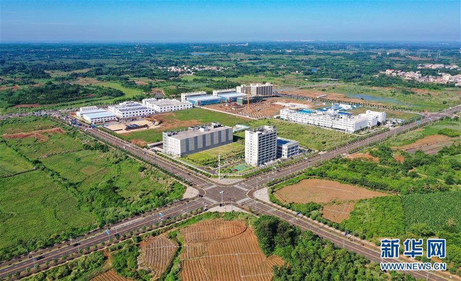 海南自贸港产业发展项目加速开工建设