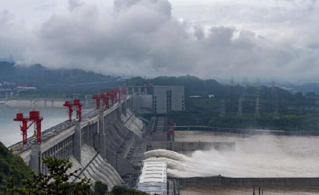 削峰高达三成!三峡水库有效拦蓄长江第1号洪水