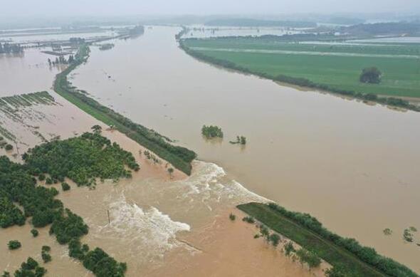 陽新富河發生一處潰口 700余群眾已安全轍離