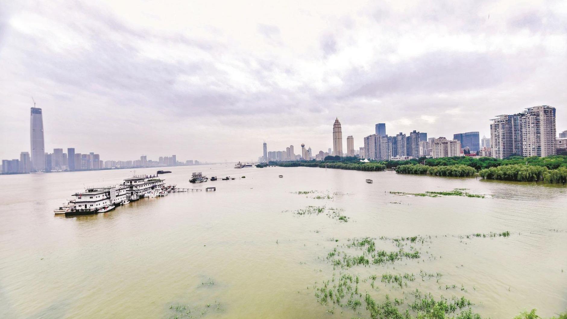 两江四岸江滩公园封闭管理