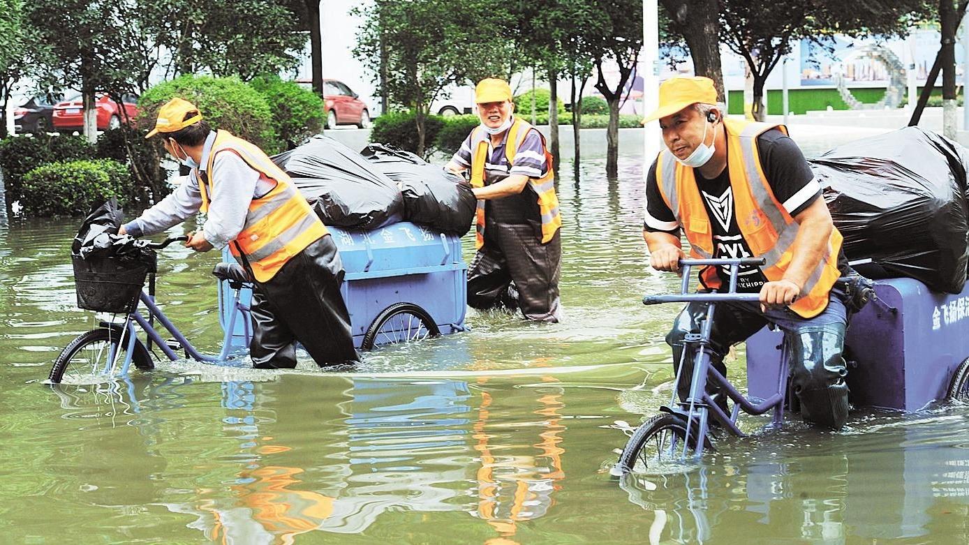 直击现场:湖北全力以赴防汛抢险救灾