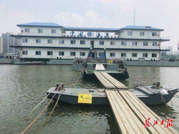 """水漲船高橋變""""矮"""",這群人24小時值守保漢江交通安全"""