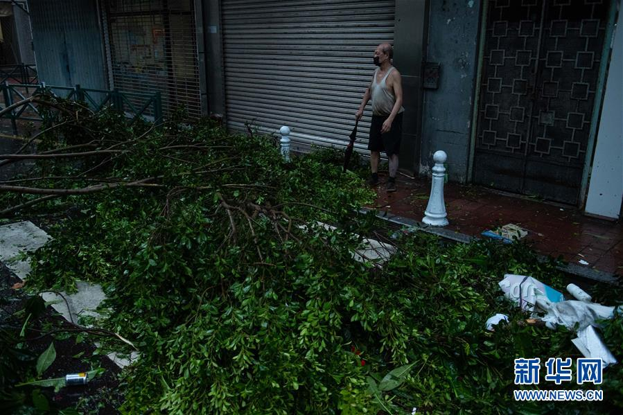 """台风""""海高斯""""袭击珠澳 澳门发出十号风球和风暴潮红色预警"""