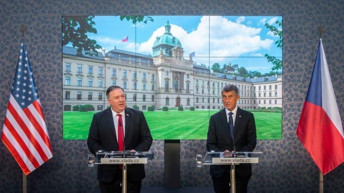 蓬佩奥在捷克抹黑中国 遭捷克总理逐条回击