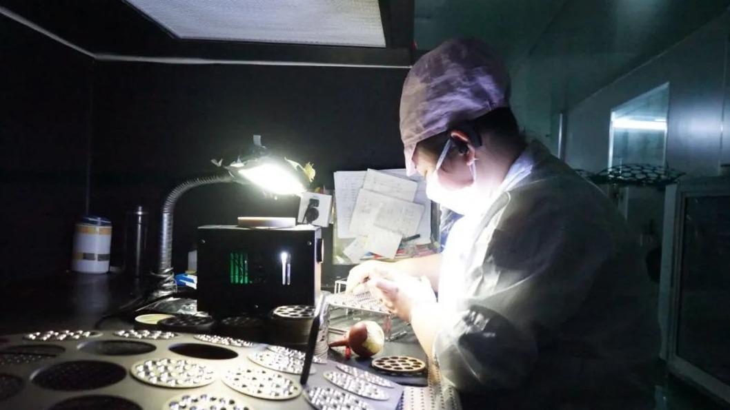 随县光学镜片产业发展探访