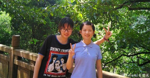 神仙友谊!湖南女生把滞留外地武汉女孩接回家,同吃同住考上同一大学