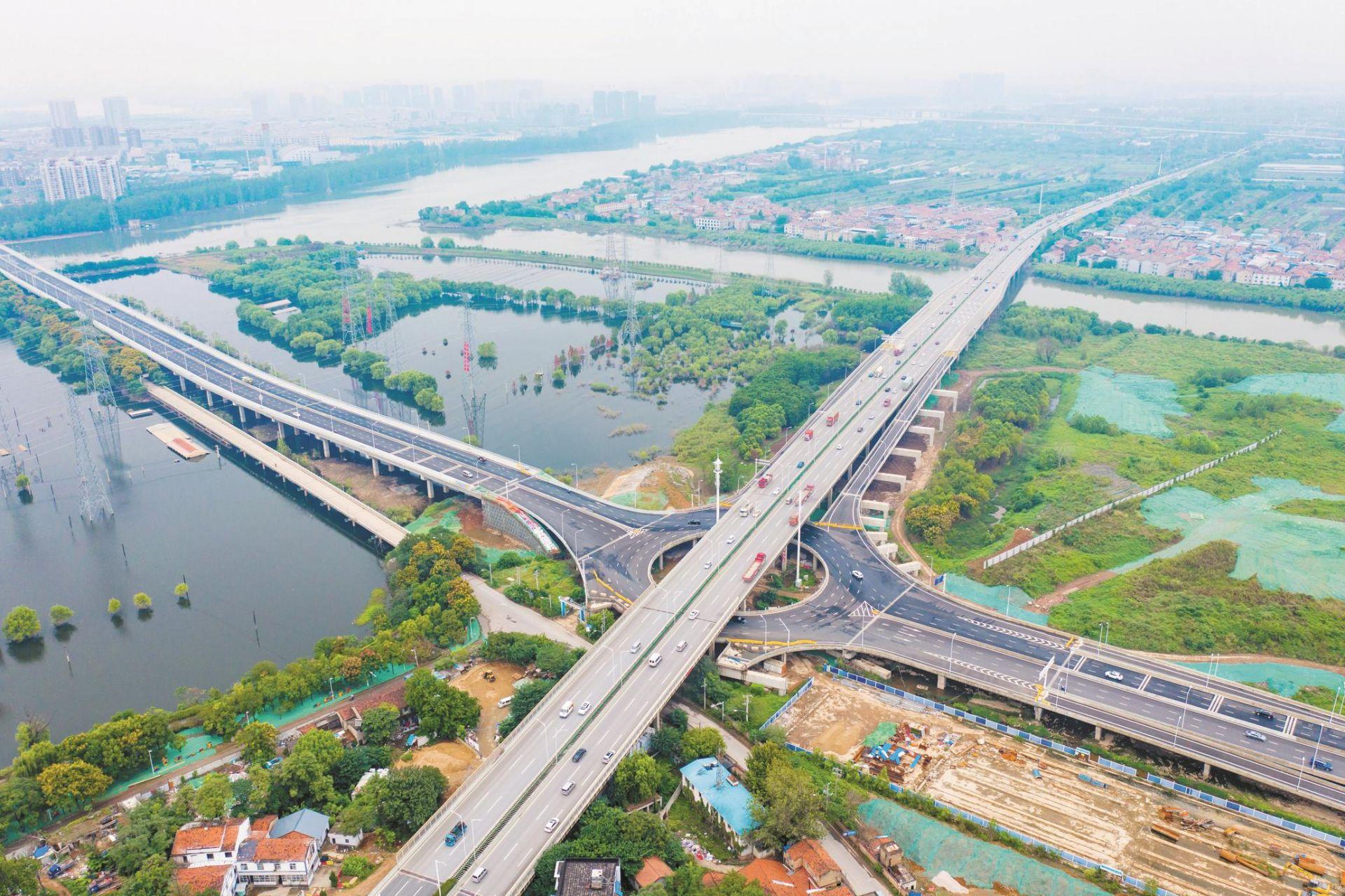 """两匝道验收后将开通 武汉岱家山大桥""""牵手""""三环"""