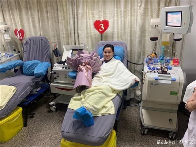 """""""热血女团""""领路人陈涵薇:用最后一次献血纪念60岁生日"""