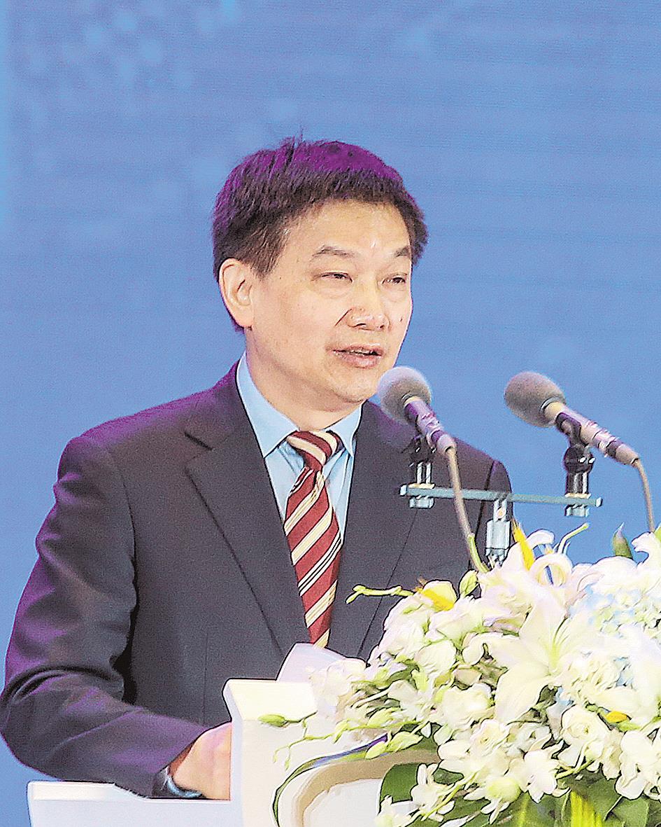 中国证监会市场监管二部副主任、一级巡视员刘健钧:今年鄂企直接融资逆势增长六成