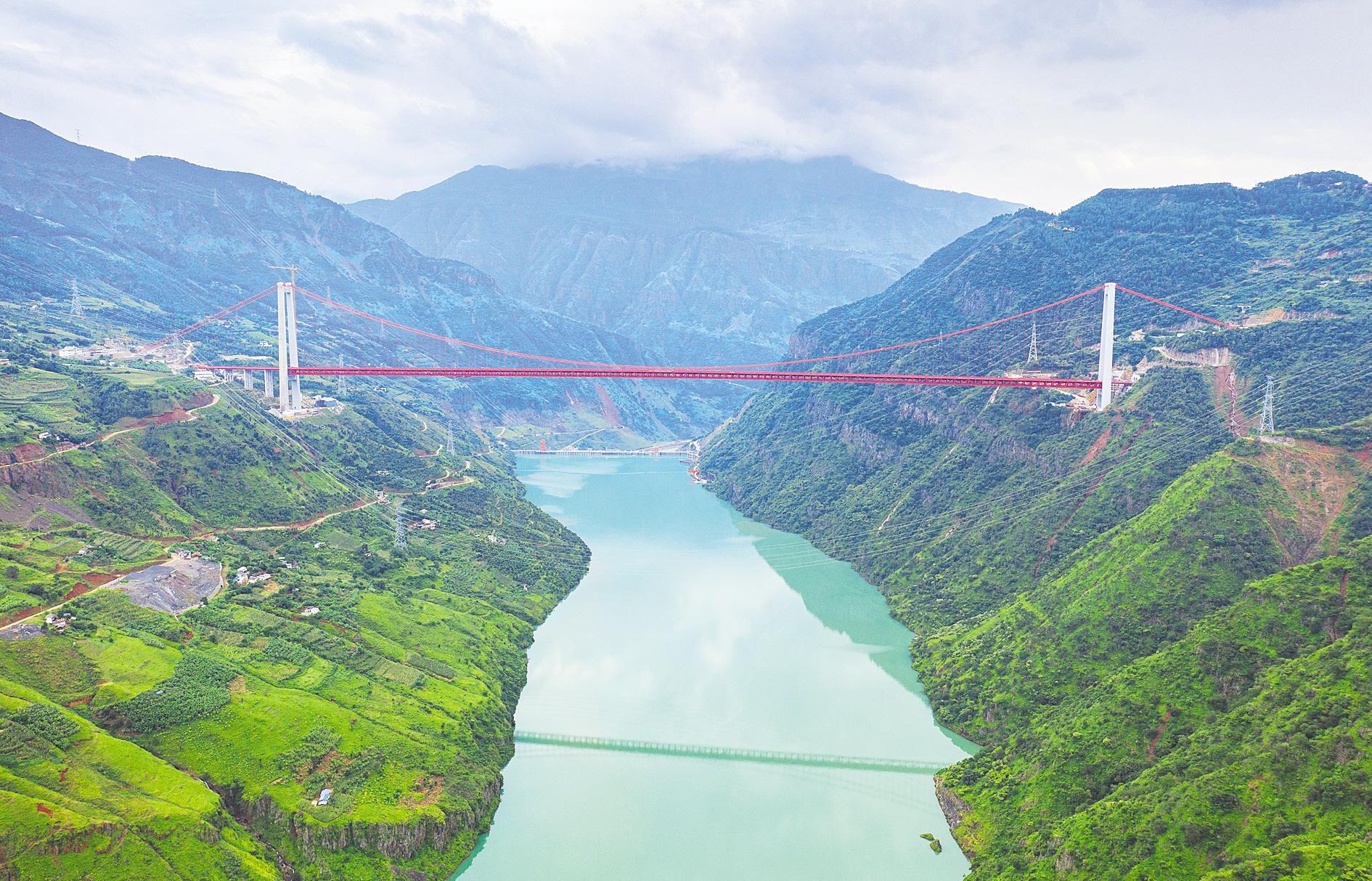 """1386米飞越金沙江 世界最大跨径山区悬索桥""""湖北造"""""""