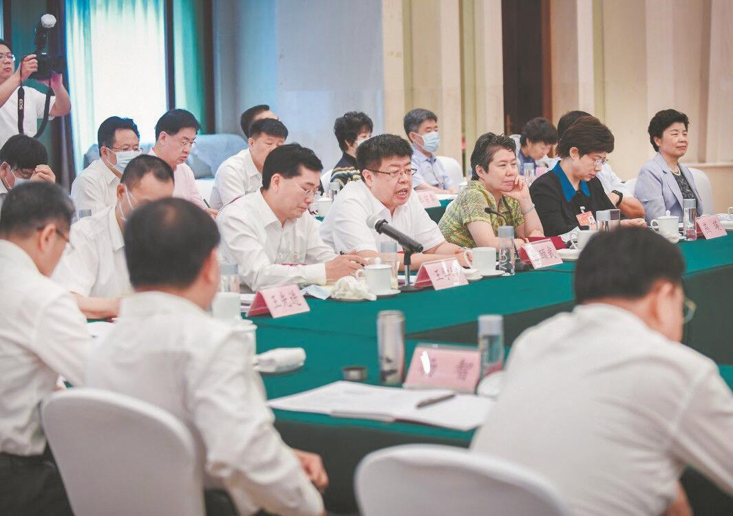全世界第一针新冠疫苗打在武汉