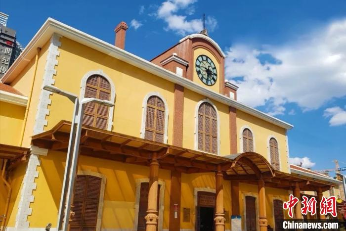云南铁路博物馆恢复开馆 游客品味百年滇越铁路历史