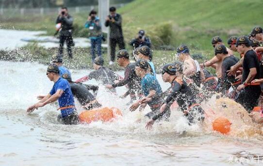 """拼了!江夏梁子湖畔,450人比拼谁是""""铁人"""""""