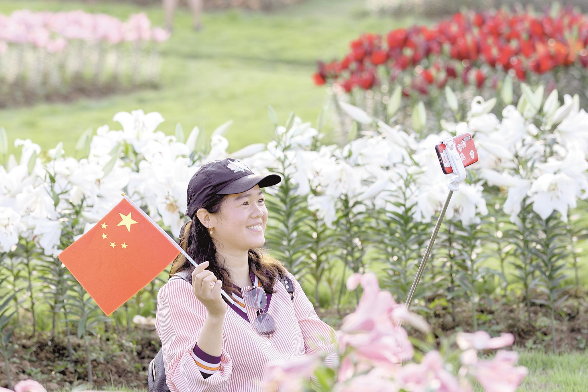 国庆黄金周第二天 湖北游客人数接近去年水平