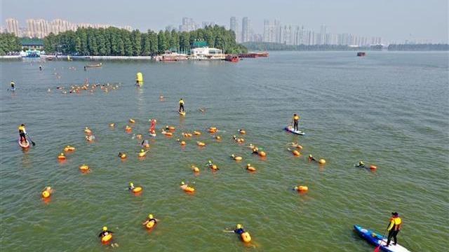 2020武漢水上馬拉松在東湖舉行
