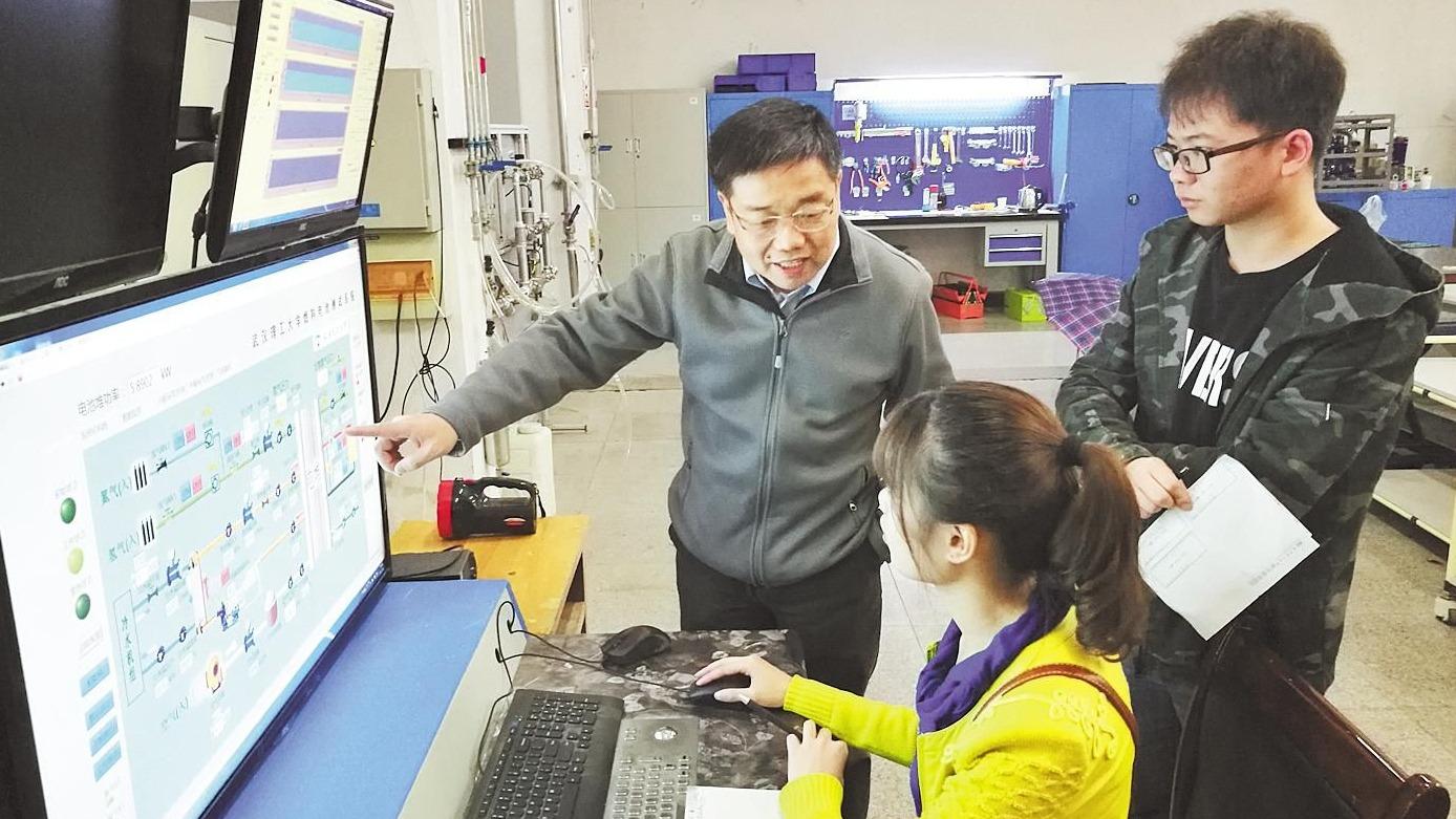 """武汉高校团队 """"从0到1""""攻克膜电极难题"""