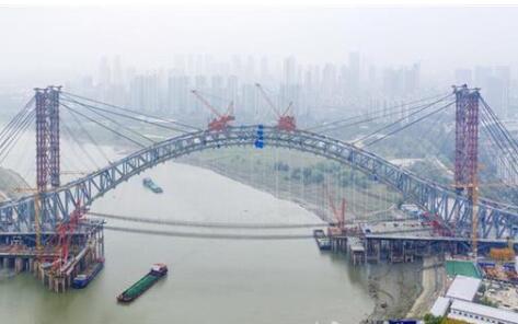 武汉江汉七桥主拱合龙