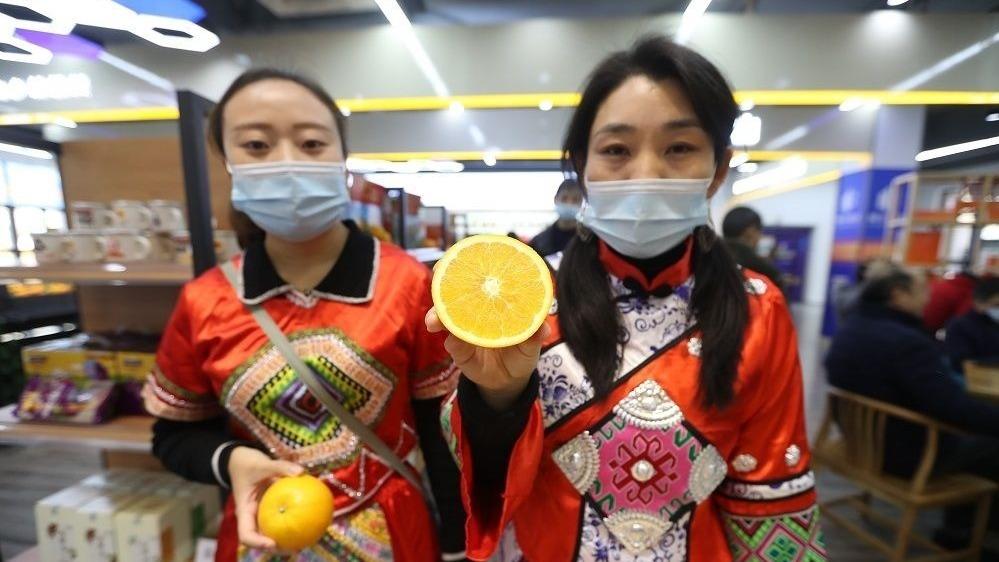 第十一届汉交会上,万博官网manbet手机版展馆受热捧