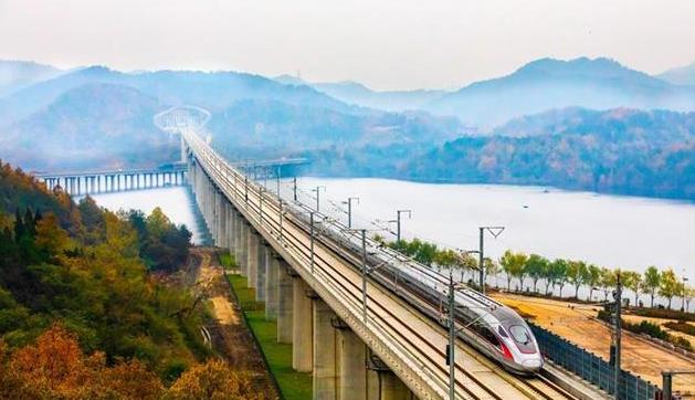 汉十高铁一年发送旅客千万人次
