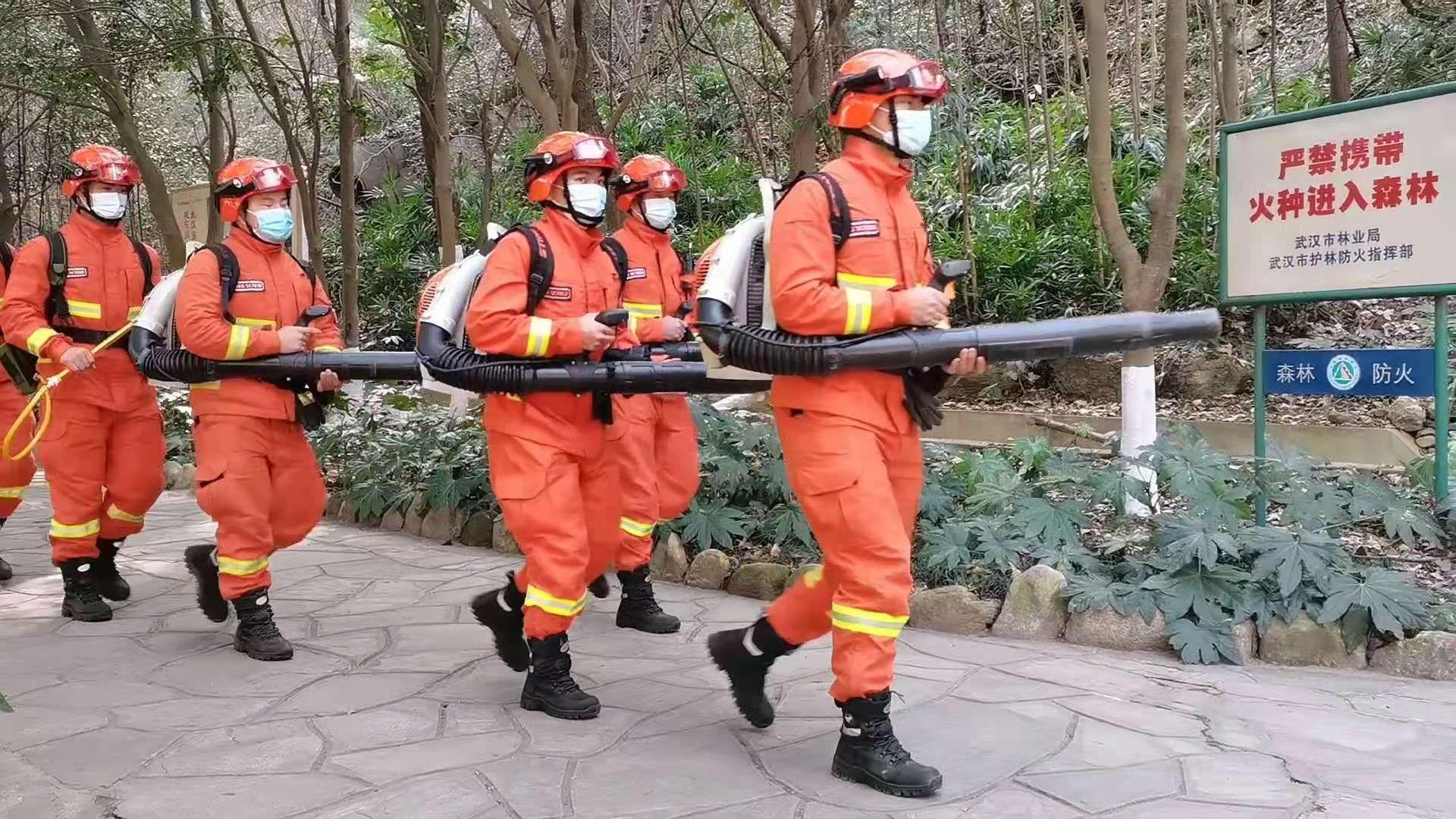 驻鄂消防大队奔赴多个景区开展防火宣传