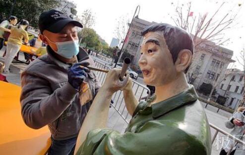 吉庆街雕塑翻新迎新年