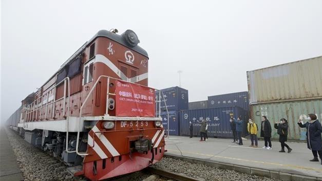 中欧班列(武汉)中国信科集团定制专列首发