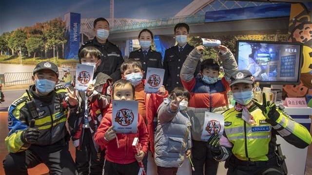 武漢警方舉行慶祝首個人民警察節活動