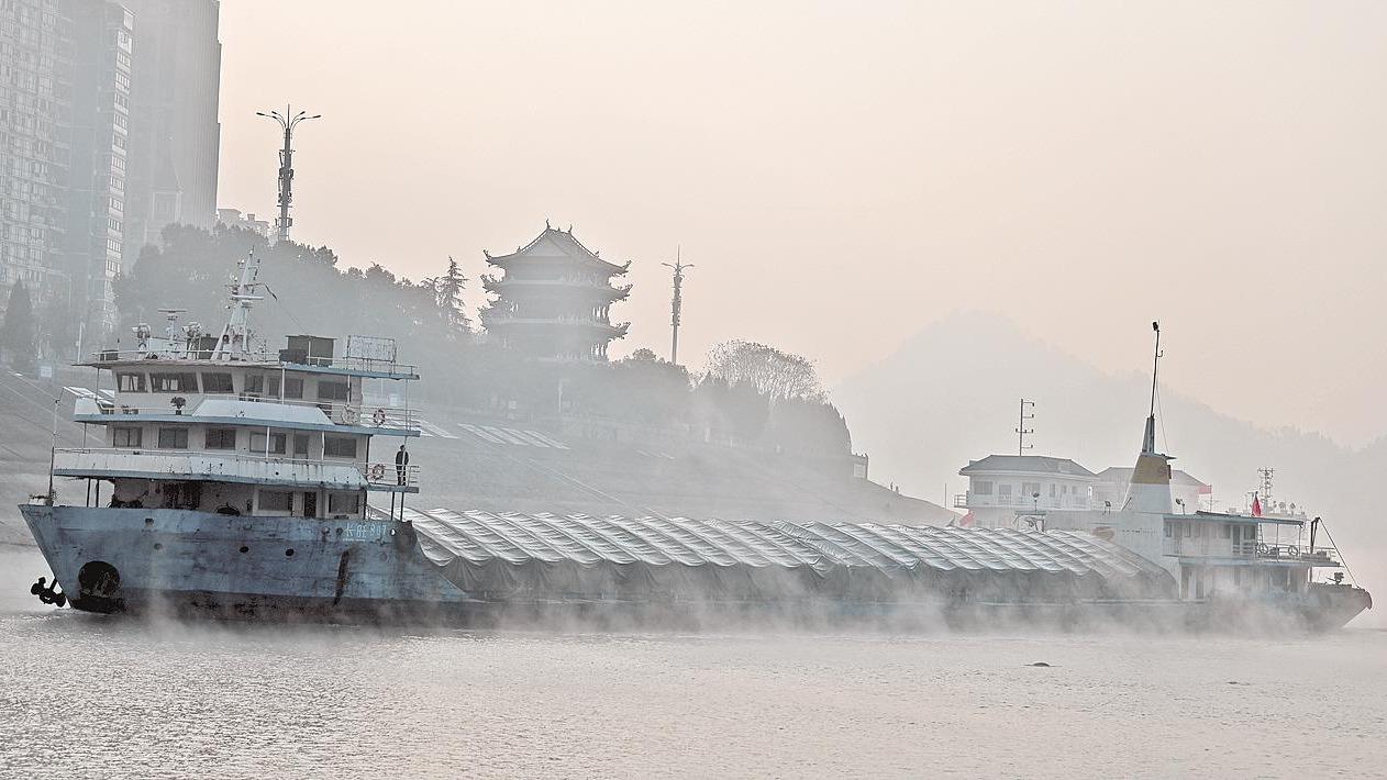 長江航運干線貨物通過量突破30億噸