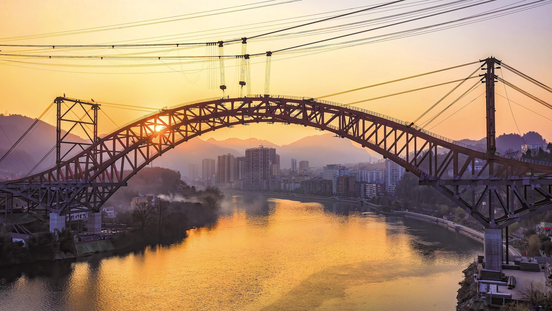 长阳清江特大桥合龙