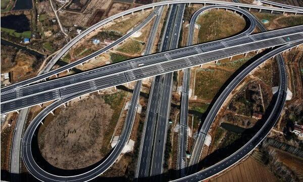 武汉市四环线主线贯通