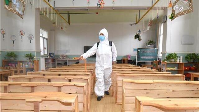 荆州开学前校园消毒