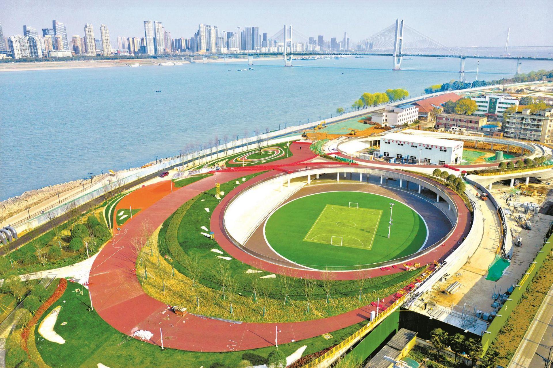防汛险段变身城市阳台 武汉月亮湾将新装亮相