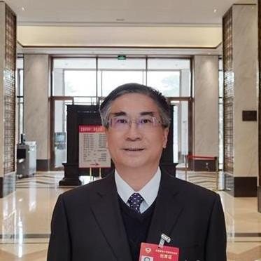 全国政协委员王焰新:加快长江流域湖泊污染防治和生态修复