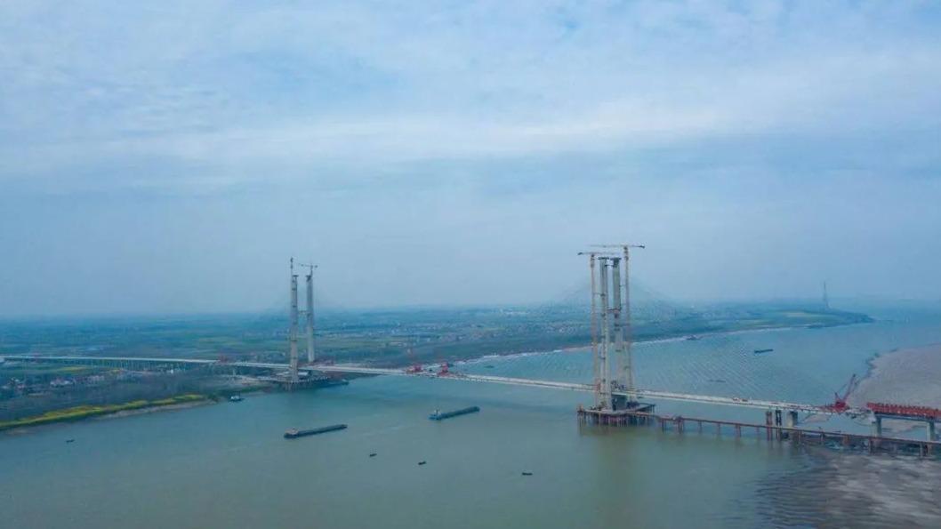 湖北又一长江大桥成功合龙爱游戏真人,创世界之最爱游戏真人!